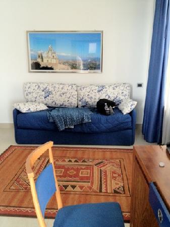 Hotel Transatlantico: front entry room