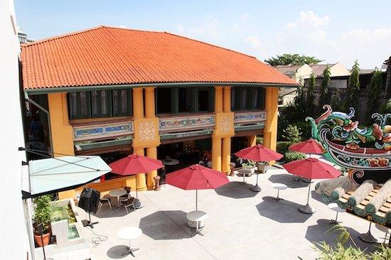 Yeng Keng Hotel: Courtyard Area