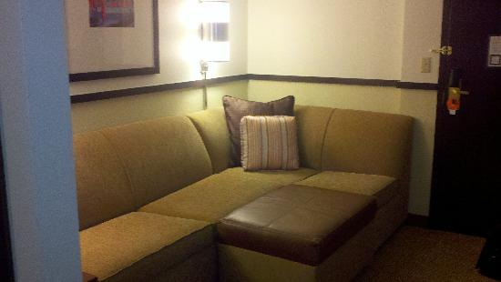 Hyatt Place Orlando Airport: Seating area