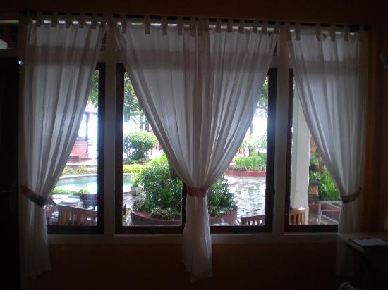 Villa Agung Beach Inn: View from in room