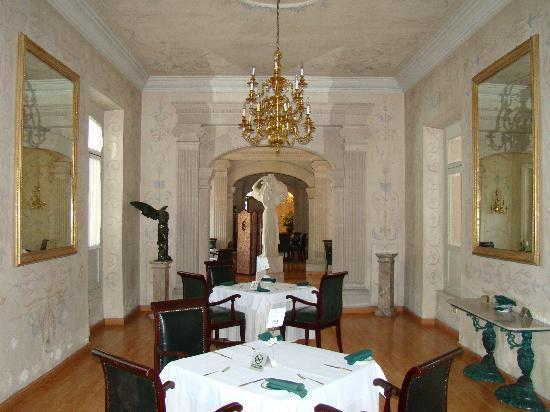 Gran Hotel Alameda: More private tables