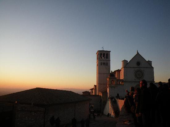 Le Ginestre Bed and Breakfast Assisi: Stunning sunset in Assisi