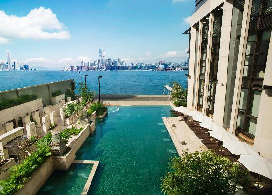 Harbour Grand Hong Kong: 27m-long outdoor heated swimming pool