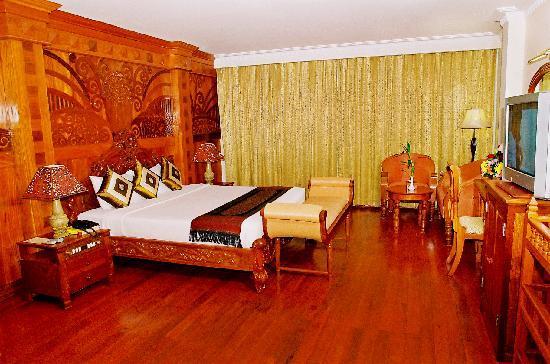 Majestic Oriental Hotel: Suite Room
