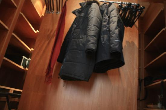 Portrait Roma: Walkin closet