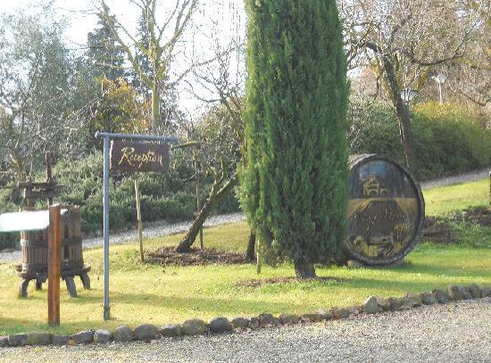 Borgo al Cerro: cortile