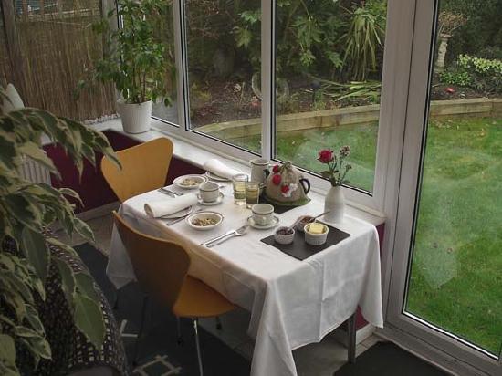 Rowan House Bed & Breakfast: Breakfast
