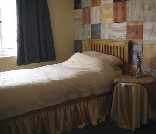 Rowan House Bed & Breakfast: Twin Room