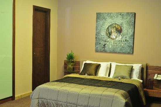 City Suite Hotel: Modern...