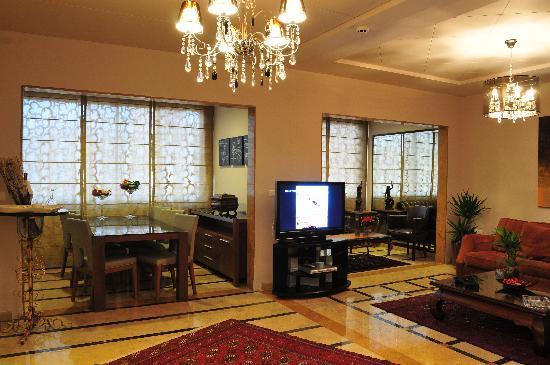 City Suite Hotel : Luxurious...