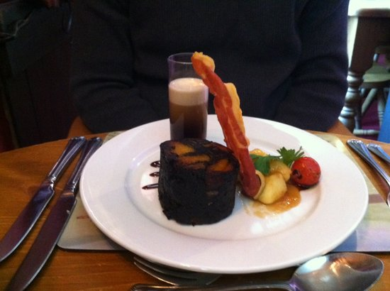 The Fox and Hounds: Blackpudding Starter