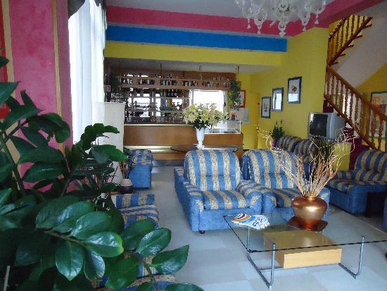 Hotel Gardenia: Lobby