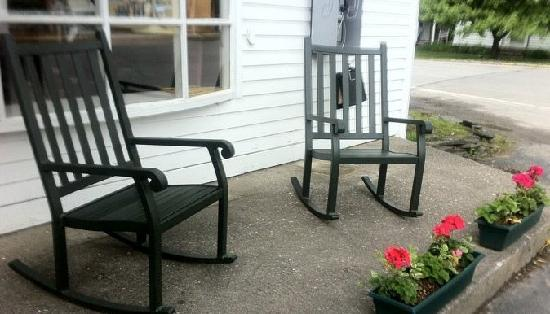 Wells, VT: Lounge and rock your day away