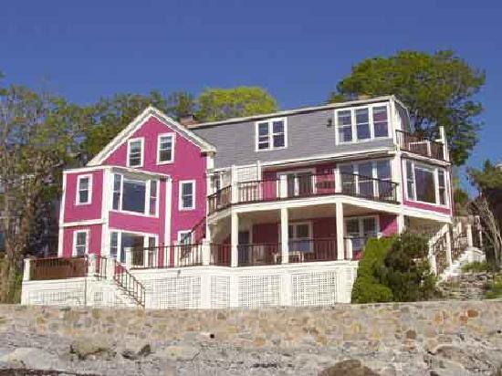 Notorious Annie's Waterfront Inn: Our Inn