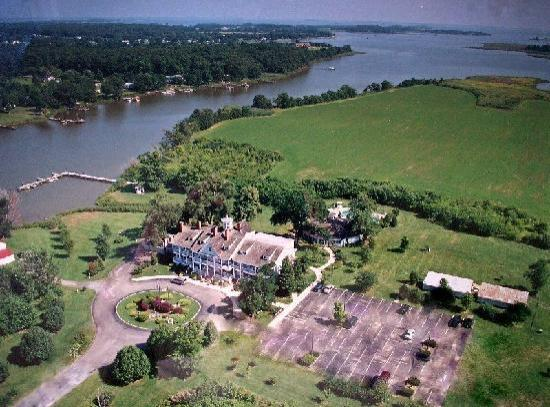 Kent Manor Inn: On 220-acres of waterfront near Annapolis
