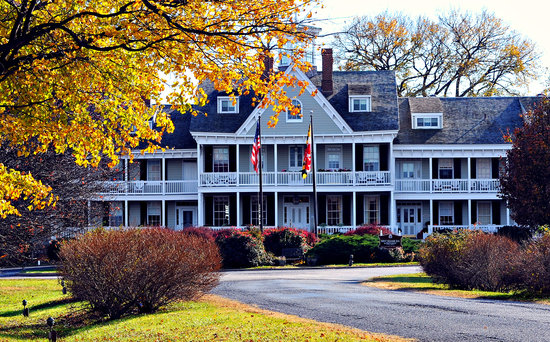 Waterfront Historic Kent Manor Inn