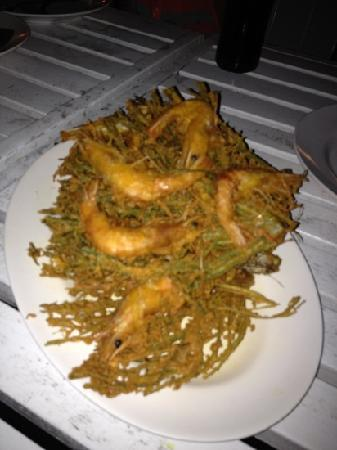 Chicboutique Hotel: deep fried prawns - still in shell