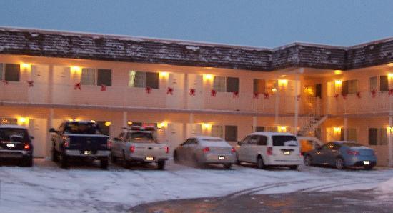Model A Inn: Parking Lot