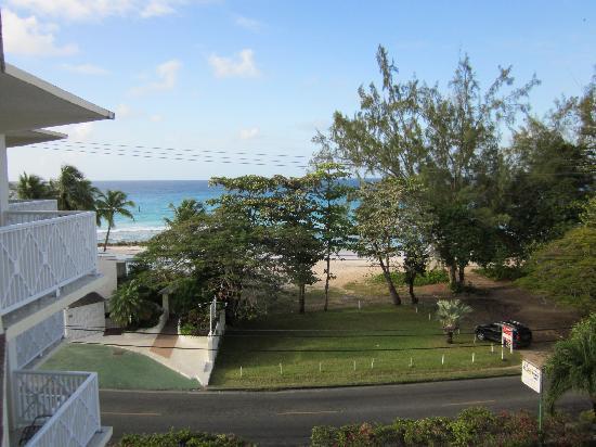 Southern Surf Beach Apartments: Vista