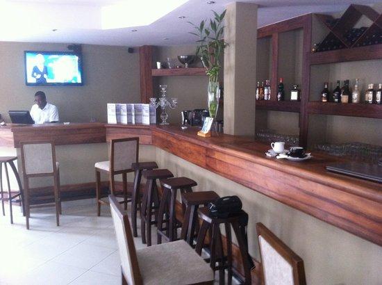 Lantana Resort & Spa : bar