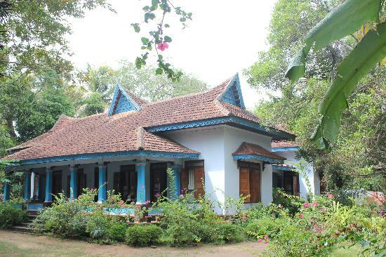 Sona Tourist Home: old villa
