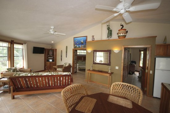 White Sands Cove Resort: Two Bedroom Condo
