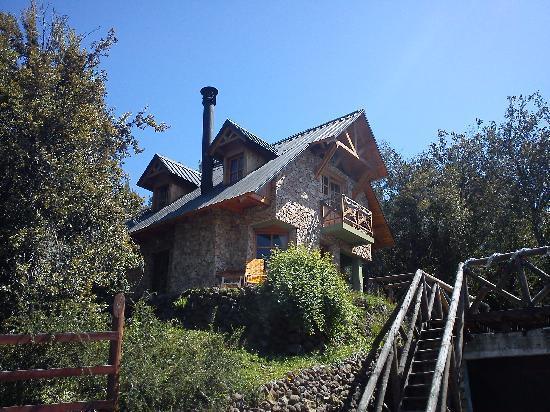 Hosteria La Balconada: next doors house