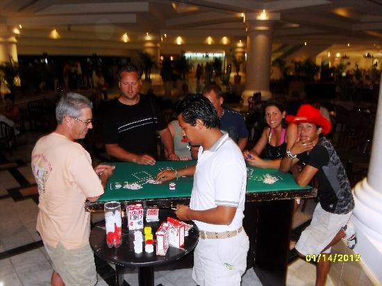 Moon Palace Cancun: rainy day events in the main lobby of Sunrise