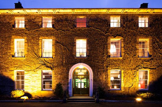 Hammet House : Hello, night night