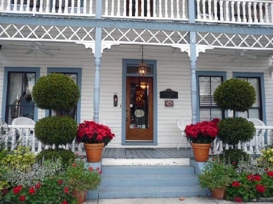 Carriage Way Bed & Breakfast: Beautiful restful place.