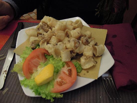 Pizzeria Vittoria: Frittura calamari