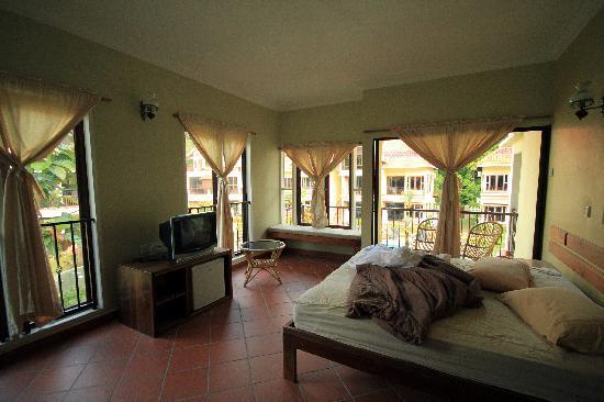 Anjungan Beach Resort: Double deluxe room.