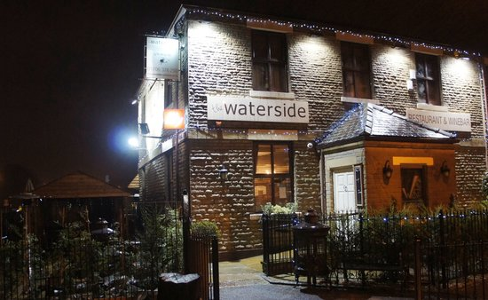 Littleborough, UK: WATERSIDE ENTRANCE