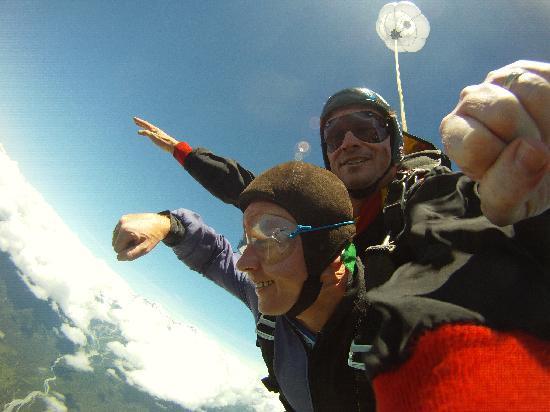 Skydive Fox Glacier : Falling fast