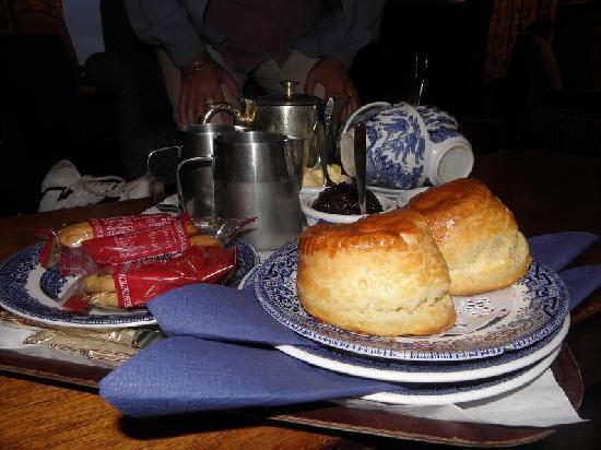 The Cottage Hotel : Cream tea!