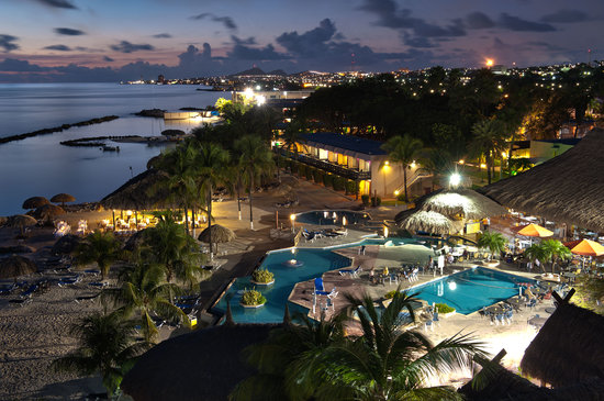 Sunscape Curacao Resort Spa & Casino: View at Night