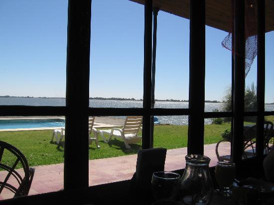 Estancia La Alameda: Vista desde el salón comedor