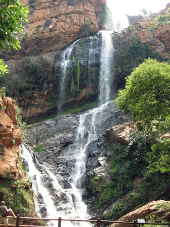 Roodepoort, South Africa: Waterfall