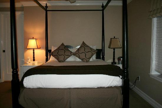 Cannon Beach Hotel: Comfy Bed