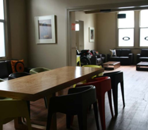 Customhouse Backpackers Hostel : The Custom House