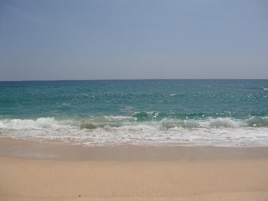 Amanwella: hohe Wellen