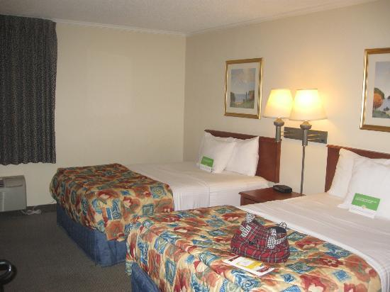 La Quinta Inn & Suites Atlanta Midtown - Buckhead: Overall room