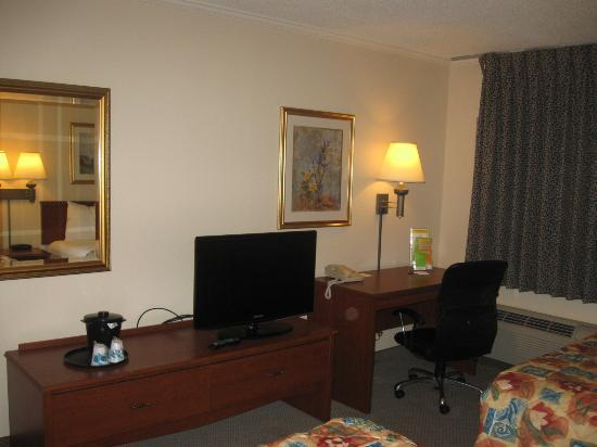 La Quinta Inn Atlanta Midtown/Buckhead: TV