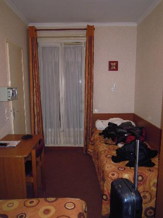 Hotel de la Place des Alpes: room 314