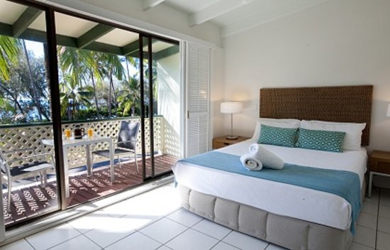 Beachfront Terraces: Port Douglas Beachfront Terrace