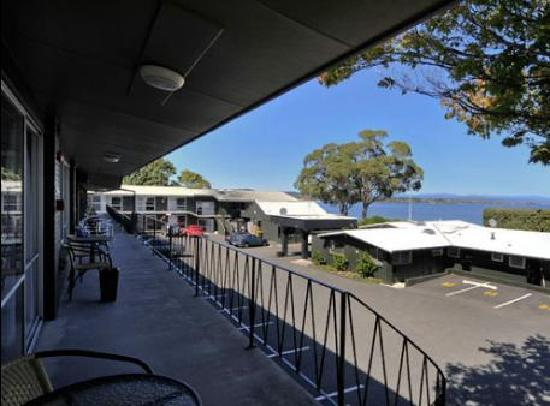 Twin Peaks Lakeside Inn