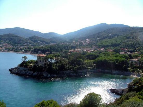 Каво, Италия: Promontorio con vista su Cala delle Alghe(Cavo)