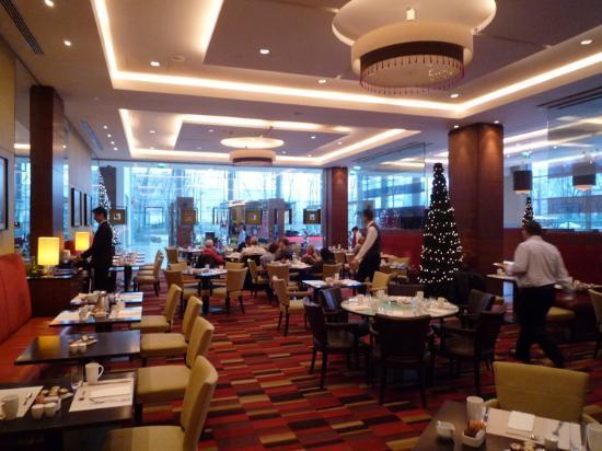 Hilton Warsaw Hotel & Convention Centre : Frühstücksraum
