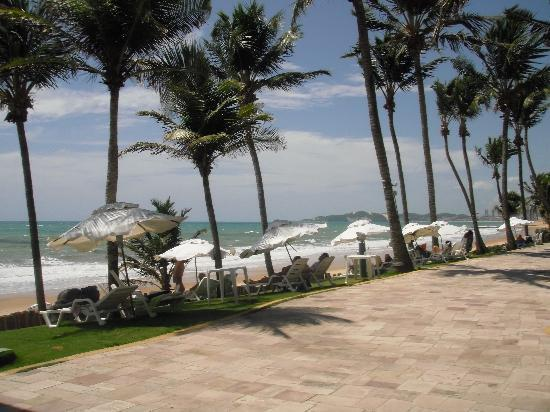 eSuites Vila do Mar: camino al lado del mar
