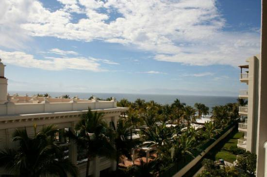 Bel Air Collection Resort & Spa Vallarta : View from our floor